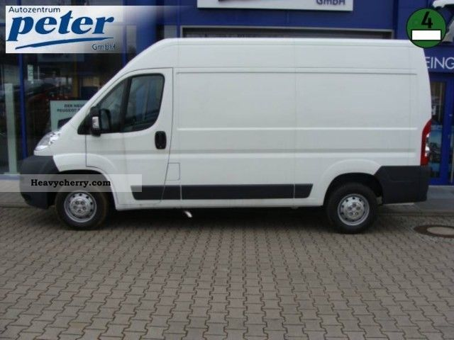 peugeot boxer 333 l2h2 hdi 2012 box type delivery van high photo and specs. Black Bedroom Furniture Sets. Home Design Ideas