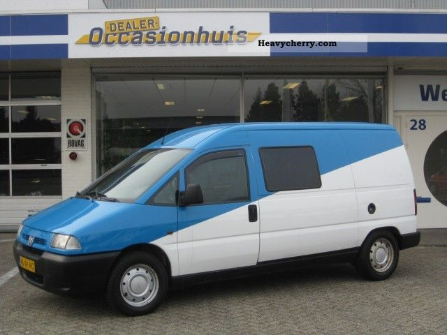 peugeot expert 2 0 hdi long dubb cabine 2001 box type delivery van long photo and specs. Black Bedroom Furniture Sets. Home Design Ideas
