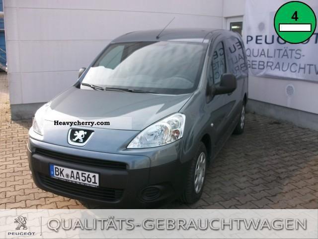 2011 Peugeot  Bipper HDi 75 Stop \u0026 Start Van or truck up to 7.5t Box-type delivery van photo