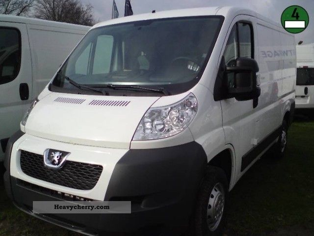 2012 Peugeot  Boxer 328 L1H1 HDi 110 2,2 HDI Van or truck up to 7.5t Box-type delivery van photo