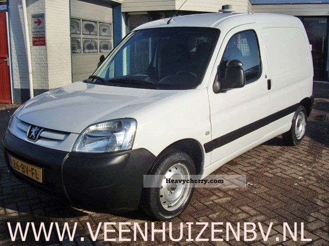 peugeot partner 1 9d airco 2005 box type delivery van photo and specs. Black Bedroom Furniture Sets. Home Design Ideas