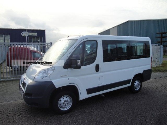 2007 Peugeot  Boxer 2.2 HDi Combi 2.2 Hdi 300/3000 L1H1 Van or truck up to 7.5t Estate - minibus up to 9 seats photo