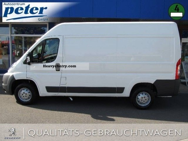 peugeot boxer 335 l2h2 hdi 2011 box type delivery van high photo and specs. Black Bedroom Furniture Sets. Home Design Ideas