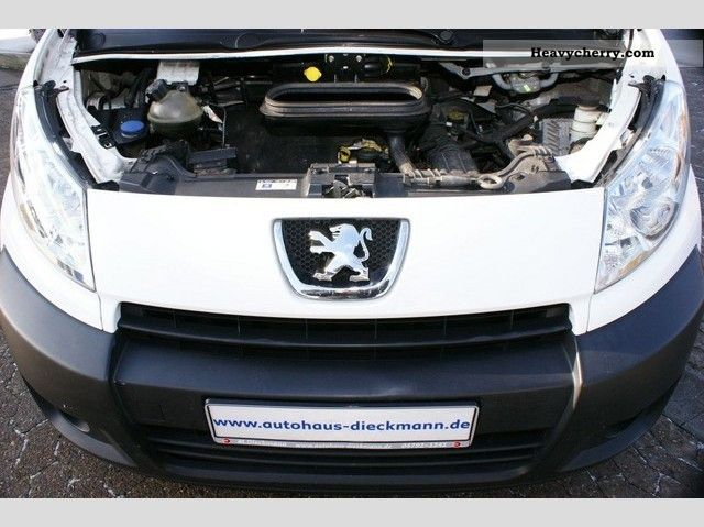 peugeot expert l2h1 climate 2008 box type delivery van photo and specs. Black Bedroom Furniture Sets. Home Design Ideas
