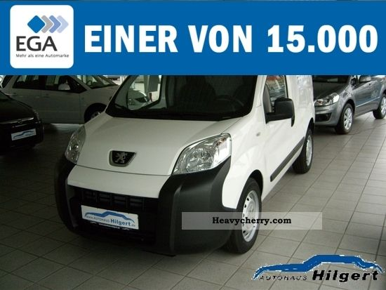 2011 Peugeot  Bipper 1.4 * Climate * ZV * 5 * € Kastenw. Van or truck up to 7.5t Box-type delivery van photo