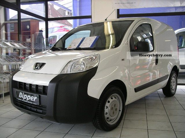 2011 Peugeot  Bipper 1.3 HDi 75 FAP base Van or truck up to 7.5t Box-type delivery van photo