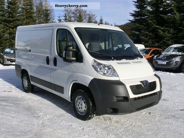 peugeot boxer l1h1 2012 box type delivery van photo and specs. Black Bedroom Furniture Sets. Home Design Ideas