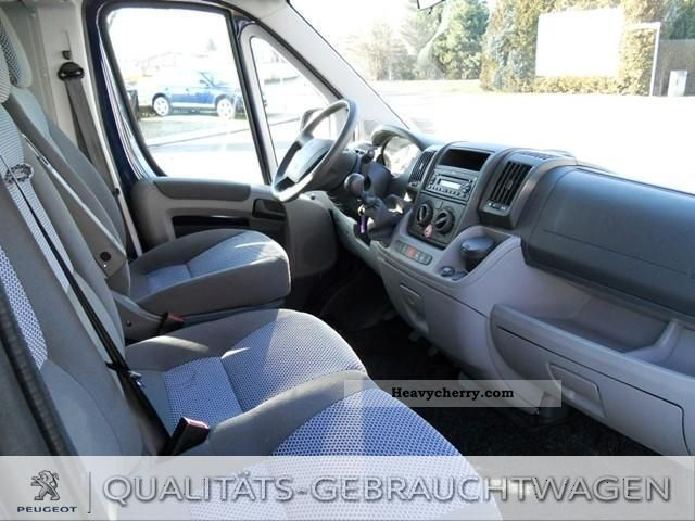 peugeot boxer 333 l2h2 hdi combi 9 seater 2011 box truck photo and specs. Black Bedroom Furniture Sets. Home Design Ideas