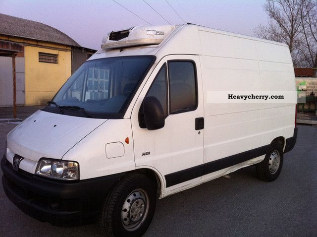 2005 Peugeot  BOXER Van or truck up to 7.5t Refrigerator box photo