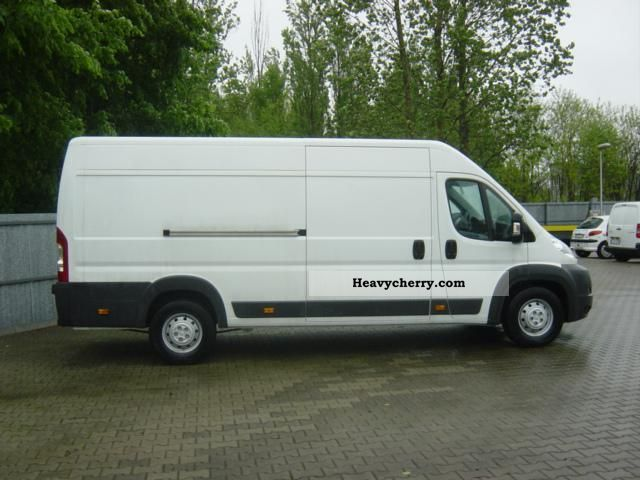 peugeot boxer 435 l4h2 5 2012 box type delivery van photo and specs. Black Bedroom Furniture Sets. Home Design Ideas