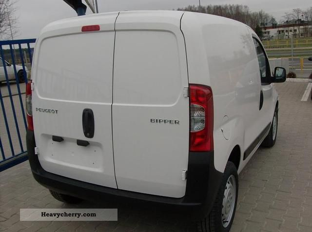 peugeot bipper e hdi 70 2011 box type delivery van photo and specs. Black Bedroom Furniture Sets. Home Design Ideas