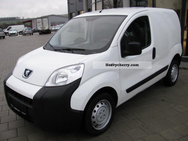 2009 Peugeot  Bipper Bipper 1.4 HDi 70 hp RADIO + CD Van or truck up to 7.5t Other vans/trucks up to 7 photo