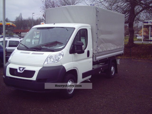 2011 Peugeot  Boxer 335 L32 pickup, 2l HDi FAP Van or truck up to 7.5t Stake body and tarpaulin photo