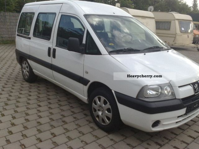 peugeot expert 2 0 hdi 5 seater 2005 estate minibus up to 9 seats truck photo and specs. Black Bedroom Furniture Sets. Home Design Ideas