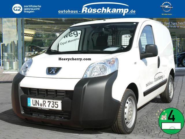 2011 Peugeot  Bipper van AVANTAGE HDI 75 Van or truck up to 7.5t Box-type delivery van photo