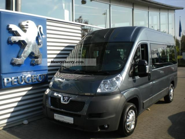 2011 Peugeot  Boxer 333 L2H2 3.0 HDI FAP 9-S Van or truck up to 7.5t Estate - minibus up to 9 seats photo