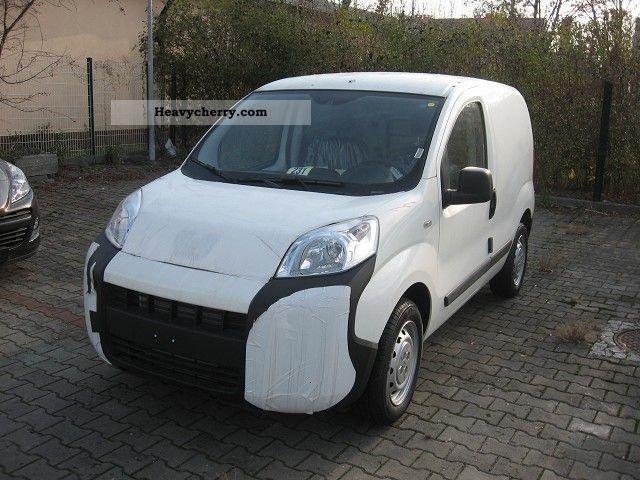 2011 Peugeot  Bipper Van or truck up to 7.5t Box-type delivery van photo