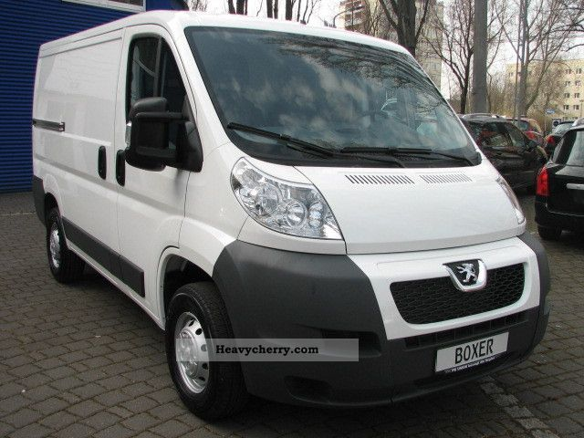 2012 Peugeot  Boxer 328 L1H1 HDi FAP 110 Klima/Euro5 Van or truck up to 7.5t Box-type delivery van photo