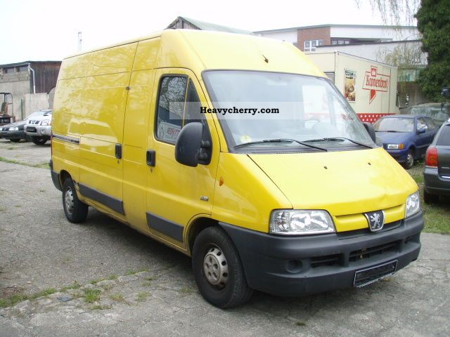 2004 Peugeot  Boxer Van or truck up to 7.5t Box-type delivery van - high and long photo
