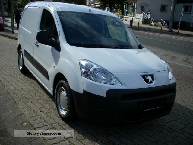 2010 Peugeot  Partner Van L1 HDi 75 Van or truck up to 7.5t Other vans/trucks up to 7 photo