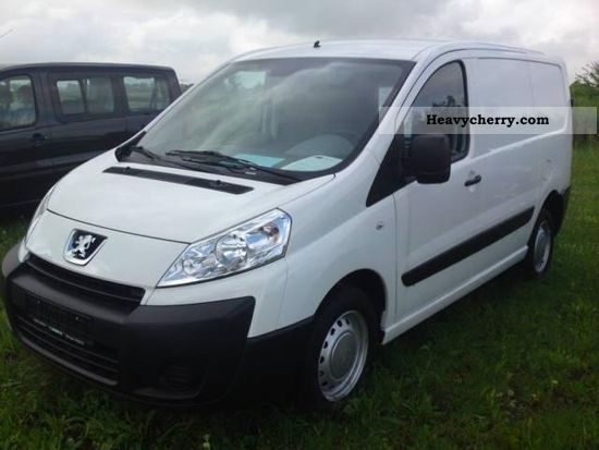 2010 Peugeot  Expert L1H1 1.2 t 2.0 FAP partition / radio / CD. Van or truck up to 7.5t Other vans/trucks up to 7 photo