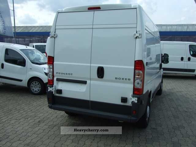 peugeot boxer 333 l2h2 hdi 120 2010 box type delivery van high photo and specs. Black Bedroom Furniture Sets. Home Design Ideas