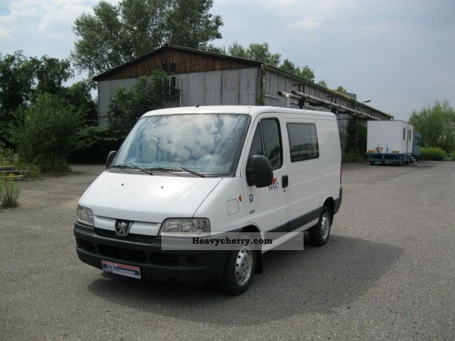 2004 Peugeot  Boxer mix to 6 seats Van or truck up to 7.5t Estate - minibus up to 9 seats photo