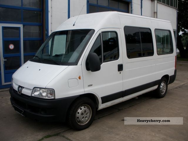 2006 Peugeot  BOXER HDI 9 SEATER AIR AHK ZV Van or truck up to 7.5t Estate - minibus up to 9 seats photo