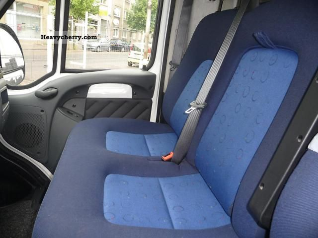 peugeot boxer 350 lh 2 8 hdi l2 h2 2004 box type delivery van photo and specs. Black Bedroom Furniture Sets. Home Design Ideas