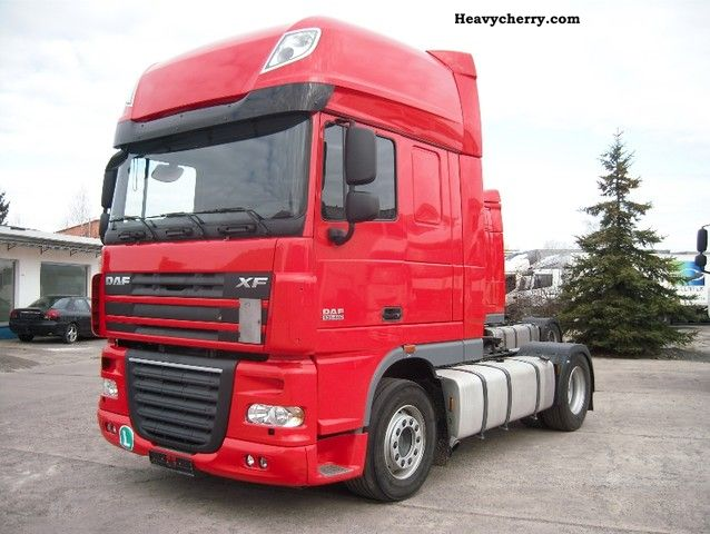2010 DAF  105XF460 EURO5 prod.2010 SuperSpaceCab Semi-trailer truck Standard tractor/trailer unit photo