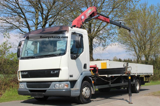 2005 DAF  LF 45.220 * toll free * Truck over 7.5t Stake body photo