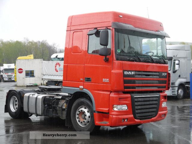 2007 DAF  105 410 * Space cab manual transmission / retarder * EURO 5 Semi-trailer truck Standard tractor/trailer unit photo