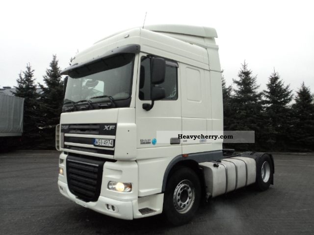 2007 DAF  105XF460 Euro5 SpaceCab Semi-trailer truck Standard tractor/trailer unit photo
