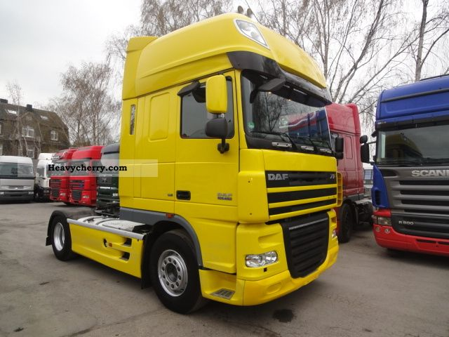 2007 DAF  105-460 SUPER SPACE CAB EURO 5 RETARDER Semi-trailer truck Standard tractor/trailer unit photo