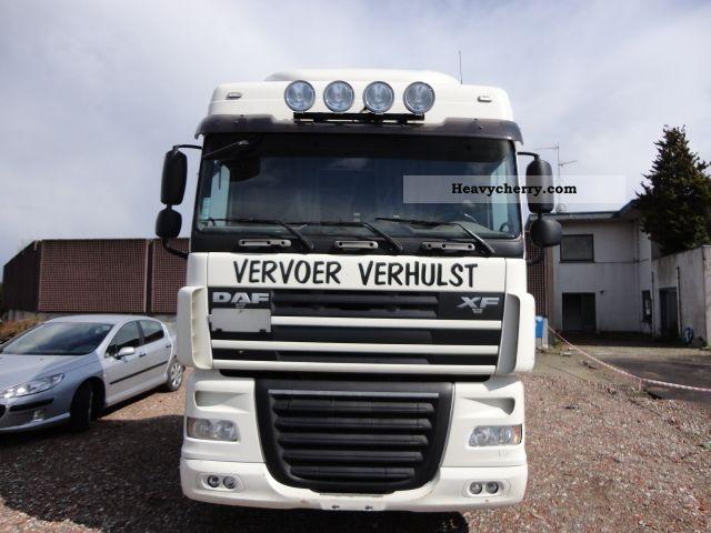 2007 DAF  105 410 SPACE CAB MANUAL EURO5 Semi-trailer truck Standard tractor/trailer unit photo