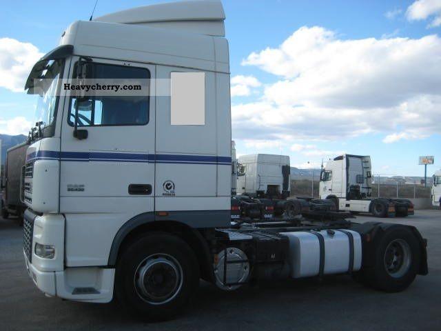 2003 DAF  XF 95.430 AUTOMATIC Semi-trailer truck Standard tractor/trailer unit photo