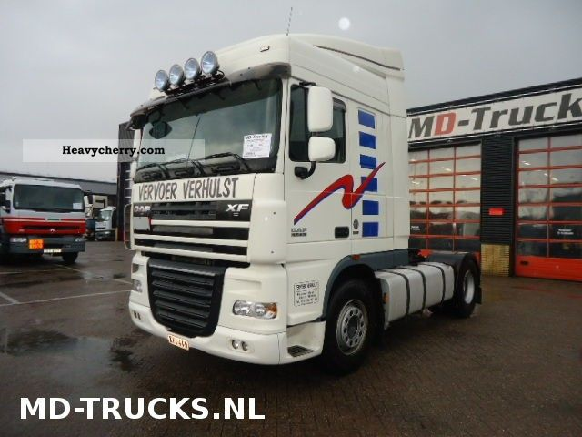 2007 DAF  105XF410 Semi-trailer truck Standard tractor/trailer unit photo