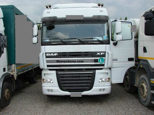 2007 DAF  105 460 Semi-trailer truck Standard tractor/trailer unit photo