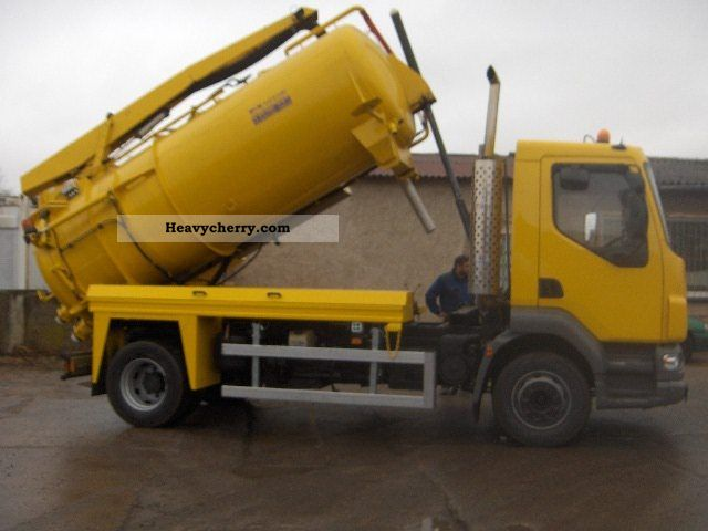 2004 DAF  LF 55.180 suction and pressure trucks 8m ³ Truck over 7.5t Vacuum and pressure vehicle photo
