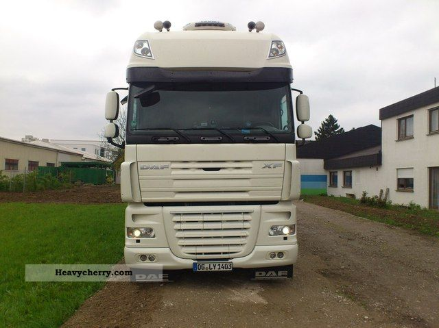 2008 DAF  105th 510 full spoiler Xenon top condition Semi-trailer truck Standard tractor/trailer unit photo
