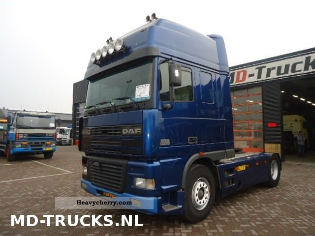2002 DAF  95XF530 SSC Semi-trailer truck Standard tractor/trailer unit photo