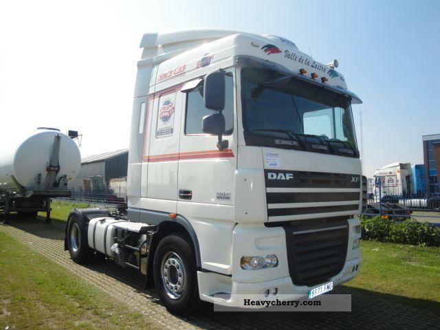 2006 DAF  105XF510 SPACECAB MANUAL / RETARDER Semi-trailer truck Standard tractor/trailer unit photo