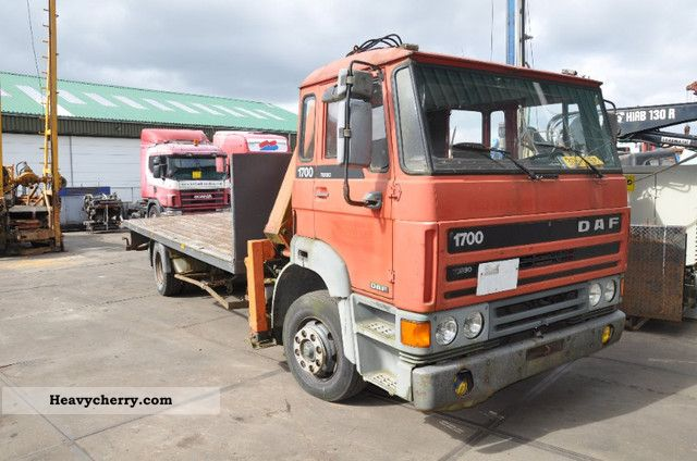 1995 DAF  1700 with crane Truck over 7.5t Stake body photo