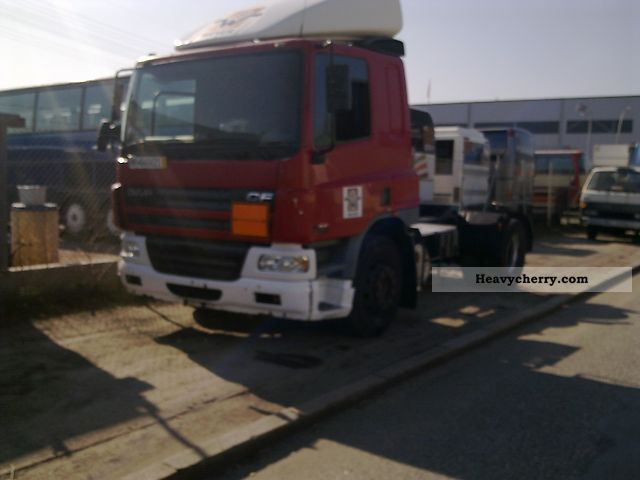 2001 DAF  85 CF Semi-trailer truck Standard tractor/trailer unit photo