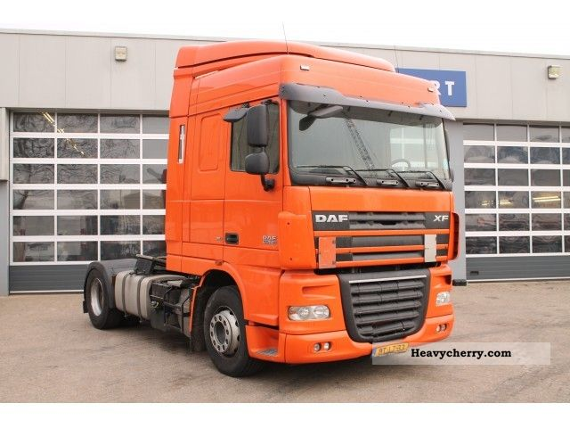 2008 DAF  105 XF 410 EURO 5 Semi-trailer truck Standard tractor/trailer unit photo