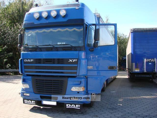 2003 DAF  XF95 Semi-trailer truck Standard tractor/trailer unit photo