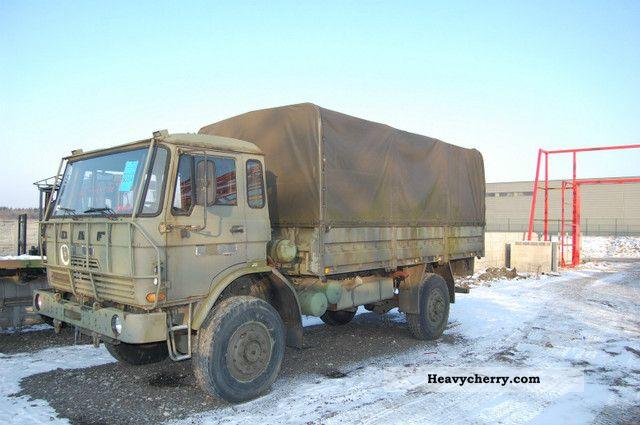 1989 DAF  Ya 1900 440 4x4 Truck over 7.5t Stake body photo