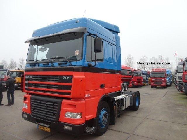 2004 DAF  105-460 EURO 5 Semi-trailer truck Standard tractor/trailer unit photo
