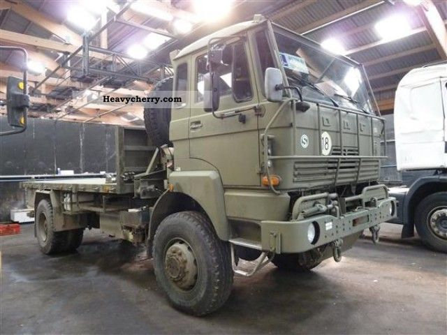 1985 DAF  2300 4X4 Truck over 7.5t Stake body photo