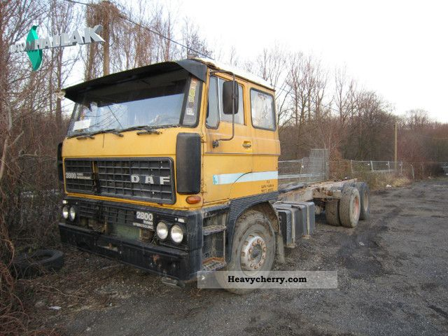 1987 DAF  2800 turbo intercooler 6x2 sheet / Spring Truck over 7.5t Stake body photo